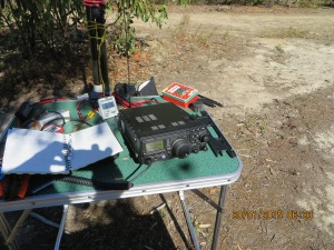 My operating position: FT897, LiPo 4000 mah, diode voltage drop in Altoid tin