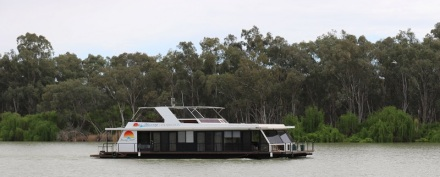 Houseboat at Renmark